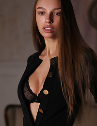Elin nude in erotic MIDEVE gallery - MetArt.com