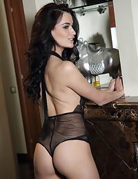 Elouisa nude in glamour RENISA gallery - MetArt.com
