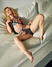 Susie nude in glamour KENIDA gallery - MetArt.com