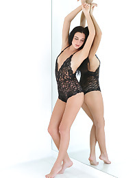 Sultana nude in erotic MIRRORED gallery - MetArt.com