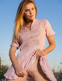 Zelda B nude in erotic NATURE'S Look gallery - MetArt.com