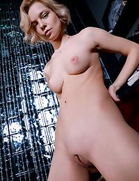 Hilary Wind nude in erotic CRYSTAL QUEEN gallery - MetArt.com