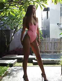 Elin nude in erotic BRONZED gallery - MetArt.com