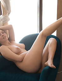 Glamour Beauty - Naturally Marvelous Amateur Nudes