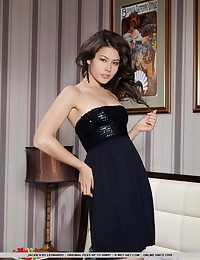 Jackie's mesmerizing beauty, coupled by will not hear of astonishing physique and elegant confidence makes will not hear of more irresistable as A she naughtily strips will not hear of black dress.