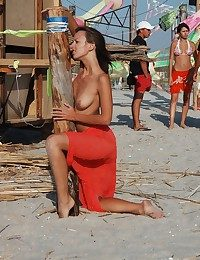Anna naked at eradicate affect sea side