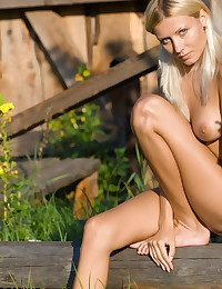 XXX Knockout - Naturally Spectacular Dilettante Nudes