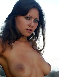 Erotic Loveliness - Unreservedly Bonny Tyro Nudes