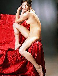 Off colour Dreamboat - Naturally Superb Amateur Nudes