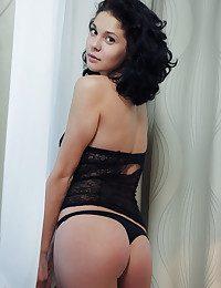 Callista B nude in glamour DESALTO gallery - MetArt.com