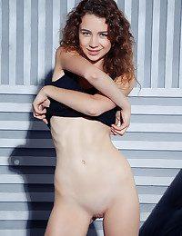 Lilu M nude in softcore JENADA gallery - MetArt.com