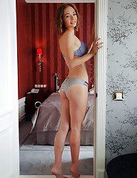 Selina nude in erotic PRESENTING SELINA gallery - MetArt.com