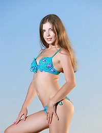 Vivian nude in erotic YANAMI gallery - MetArt.com