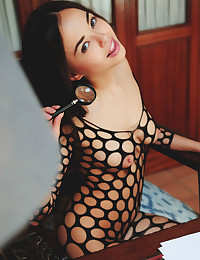 Li Moon nude in erotic MAGNIA gallery