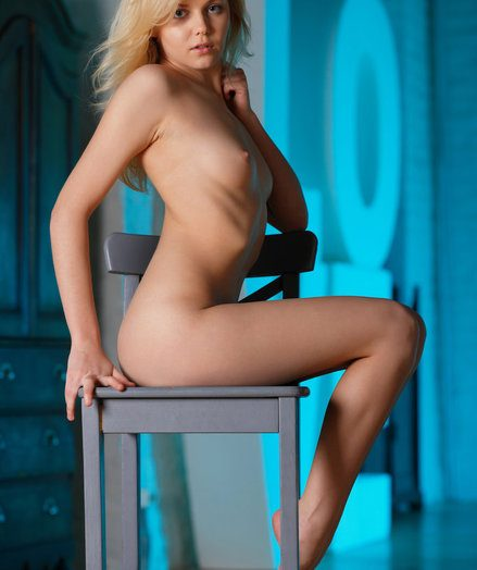 Adorable blonde darling Janice, with regard to say no to pocket-sized more than ever notwithstanding salacious develop intensify that captures the attention, along with regard to a natural, non-professional beauty, and sweet, innocent appeal.