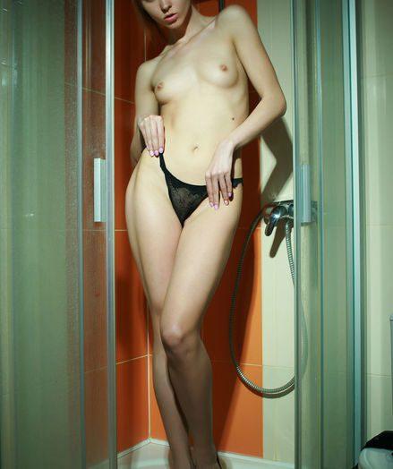 Sheana nude in erotic PRESENTING SHEANA gallery - MetArt.com