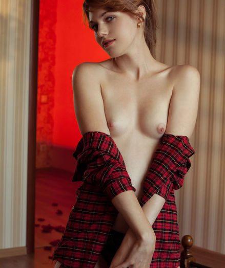 Shirley Tate nude in erotic PRESENTING SHIRLEY TATE gallery - MetArt.com