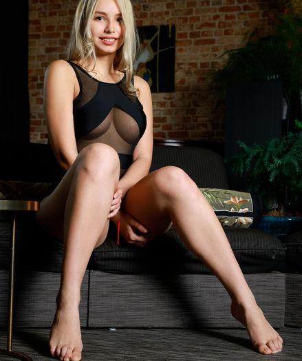 Candice Lauren nude in softcore PRESENTING CANDICE LAUREN gallery - MetArt.com