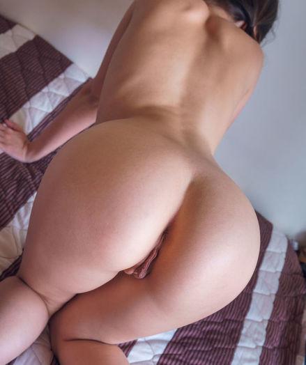 Hilary C nude in erotic REINY gallery - MetArt.com