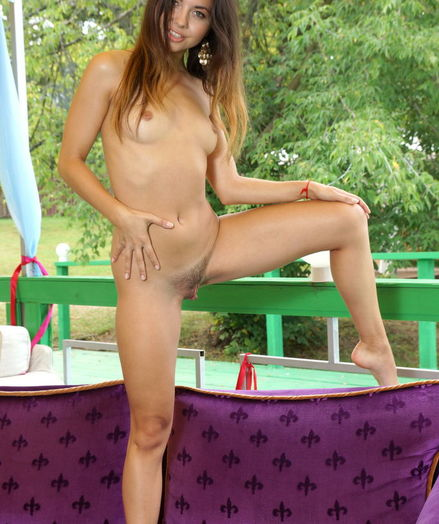 Erotic Sweetie - Naturally Beautiful Amateur Nudes