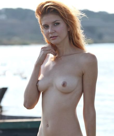 Erotic Ultra-cutie - Naturally Beautiful Amateur Nudes