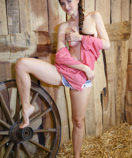 Lauren Crist nude in glamour GIOLET gallery - MetArt.com