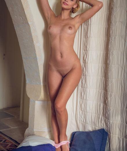 Lilit A bare in erotic MERECA gallery - MetArt.com