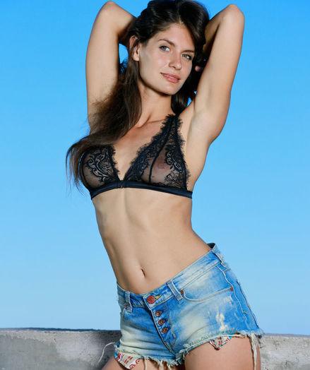 Yasmina nude in erotic VERTTO gallery - MetArt.com