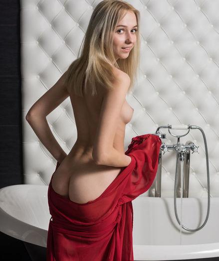 Bernie nude in erotic LEWANA gallery - MetArt.com
