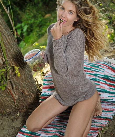 Lola Krit nude in erotic LIRTA gallery - MetArt.com