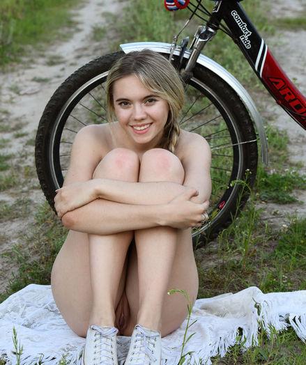 Eva Jude nude in erotic MITNA gallery - MetArt.com