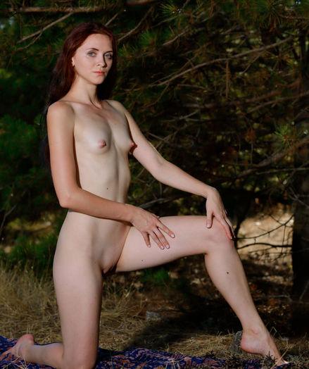 Erotic Cutie - Naturally Beautiful Amateur Nudes