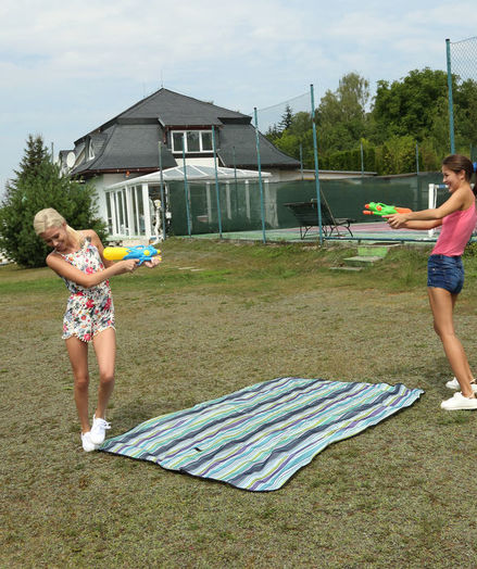 WATER DUEL with Cindy Shine, Kiara Cole - ALS Scan