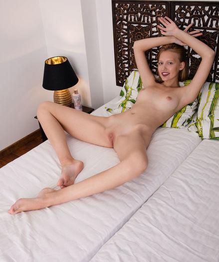 Dominike nude in erotic Introducing DOMINIKE gallery - MetArt.com