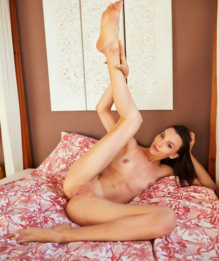 Adel Morel nude in erotic LOFTY gallery - MetArt.com