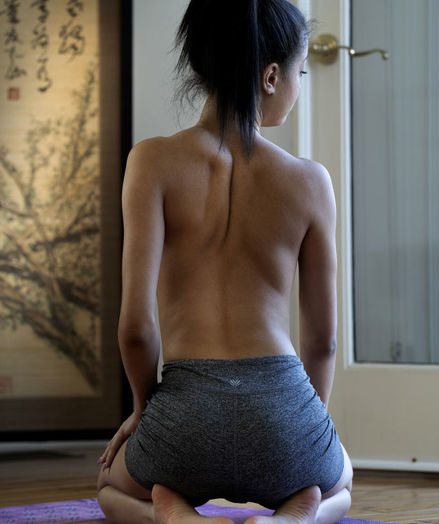 Scarlett Bloom naked in erotic PRESENTING SCARLETT BLOOM gallery - MetArt.com