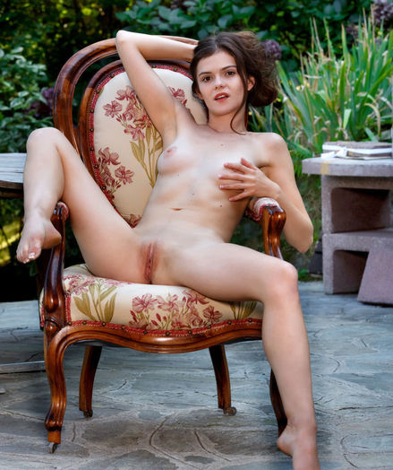 Kitri nude in softcore SUN DAZE gallery - MetArt.com