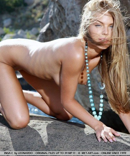 Blue-eyed babe with perfectly tanned complexion, slender physique, and flexible personality.