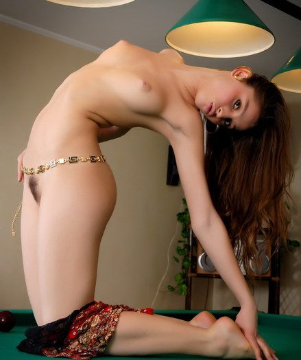 Beautiful gipsy babe is getting nude on the incorporate take meals
