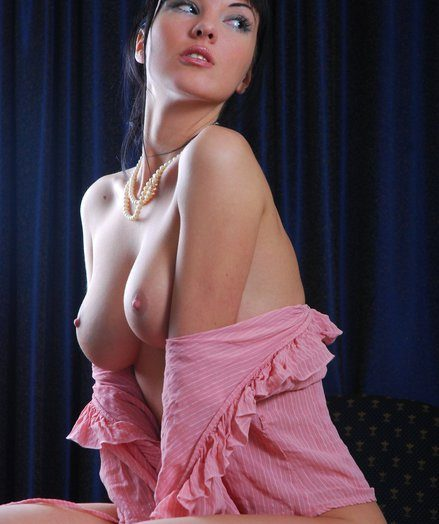 Polina in together with out of hairy port side frills