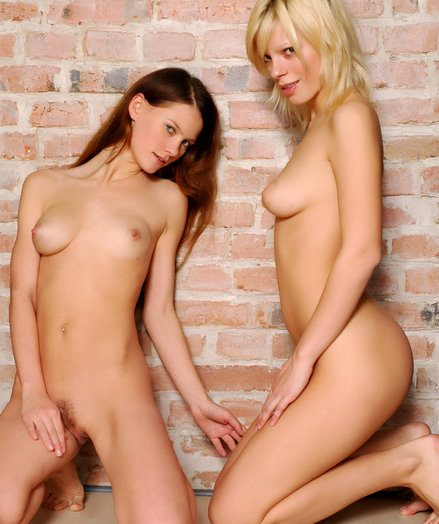 Erotic Loveliness - Naturally Beautiful Dilettante Nudes