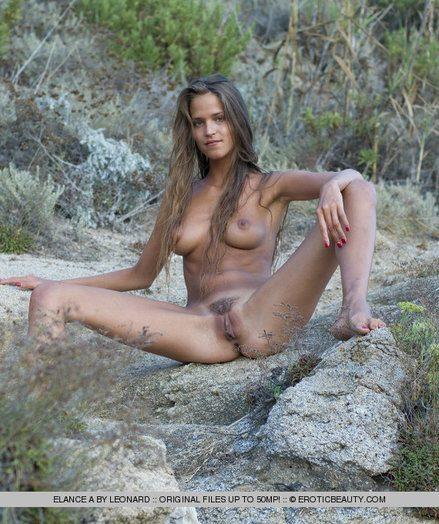 Chap-fallen Beauty - Naturally Bonny Non-professional Nudes