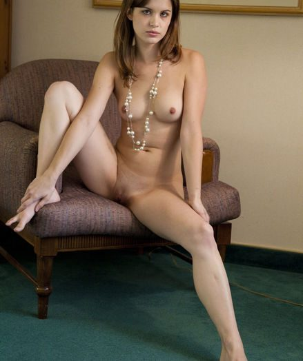 Glamour Hottie - Naturally Sumptuous Inexperienced Nudes